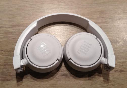 Le casque audio JBL T450BT